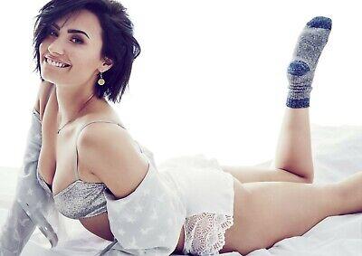 Demi Lovato 8x10 Glossy Photo 6
