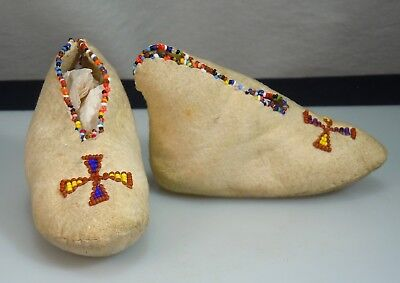 Vintage Native American Baby Leather Moccasins Beaded Shoes 52924