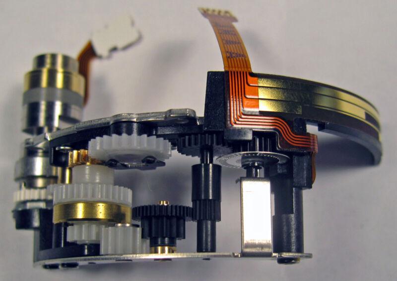 Canon EF 50mm  F/1.4 USM lens AF Focusing Motor USM Parts CY3-2526 YG2-0453