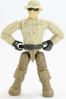 Mega Bloks Construx Call of Duty Desert Soldier mini Figure with hat and (Call Of Duty Sunglasses)