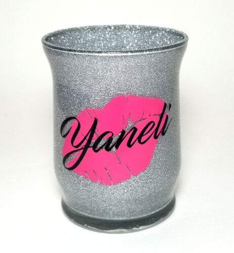 Makeup brush holder cup Personalized. Hot pink lips. Glitter