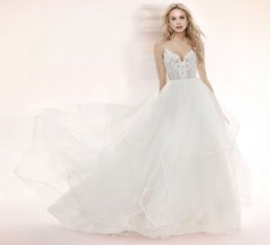 BRAND NEW BLUSH BY HAYLEY PAIGE PEPPER WEDDING GOWN
