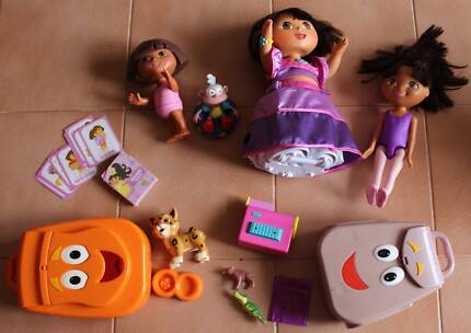 Kids toy bath and doll change set | Toys - Indoor | Gumtree ...