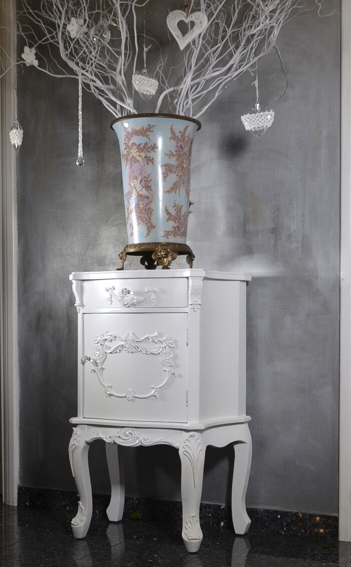 nachttisch barock kommode antik konsole massiv bett stil. Black Bedroom Furniture Sets. Home Design Ideas