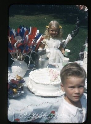 1950s kodachrome photo slide Kids at party tootsie roll pops birthday cake GOP33 (Tootsie Roll Colors)