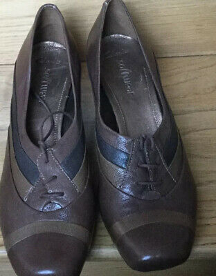 clarks softwear 6 Ladies Brown Shoes Used Excellent Conditions