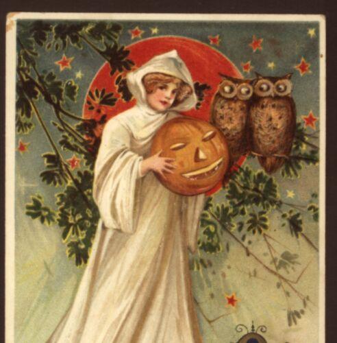 SCARCE..! SCHMUCKER,LOVELY LADY IN GHOST COSTUME,OWLS,WINSCH HALLOWEEN POSTCARD