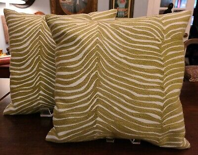 West Elm~Woven Throw Pillows~ Zebra Pattern~Green & White~Set of 2~16 x 16~EUC❤