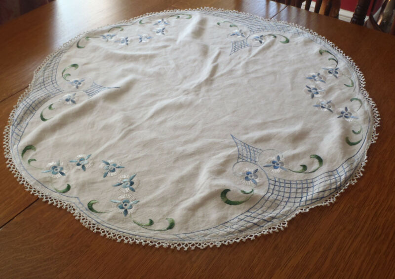 Vintage Arts and Crafts Embroidered  Round Table Topper