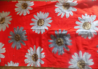 3 Yards Plus Vintage Red Cotton Woven Fabric Large Gray Daisies 45 Wide Crantex