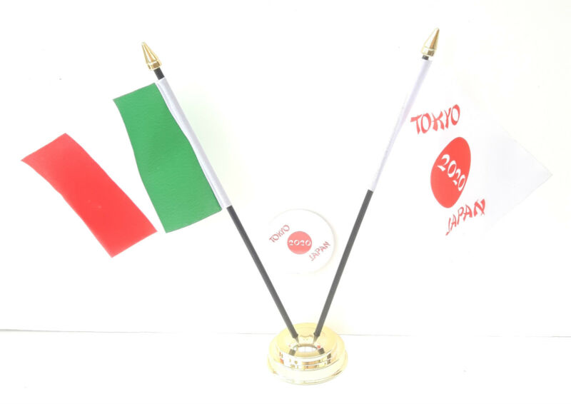 Italy & Tokyo Japan Olympics 2020 Desk Flags & 59mm BadgeSet