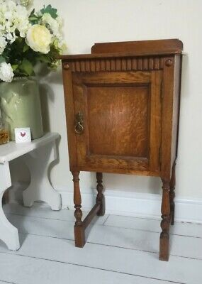 Waring & Gillows Oak Pot Cupboard Bedside Cabinet