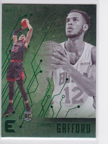 2019-20 PANINI CHRONICLES CHICAGO BULLS DANIEL GAFFORD GREEN ESSENTIALS RC 204