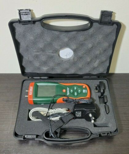Extech HD750Digital Differential Pressure Manometer in Case w/ Accessories