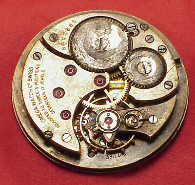 VINTAGE 35MM OMEGA CALIBER 39.1 17J SILVER DIAL POCKET WATCH MOVEMENT PARTS