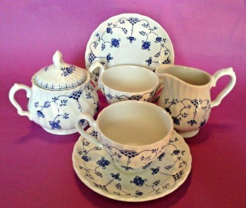 Yorktown Salem Sugar Creamer And 2 Teacups & Saucers - Blue And White - England