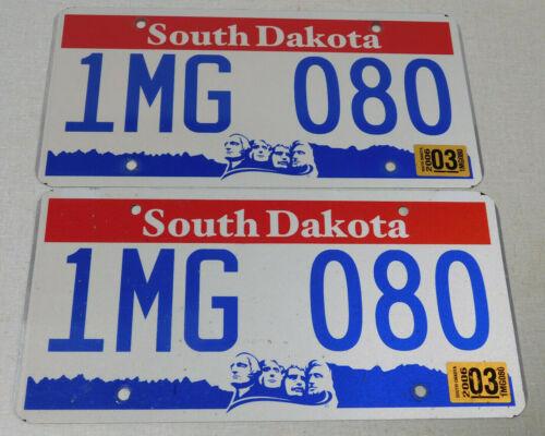 2006 South Dakota passenger car license plate pair