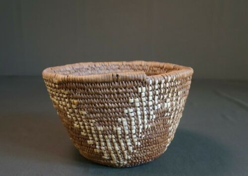 Very Fine Early 1900 Northwest Nisqually Puyallup Imbricated Basket
