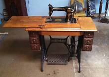 SINGER TREDDLE SEWING MACHINE MODEL 201K Cockatoo Cardinia Area Preview