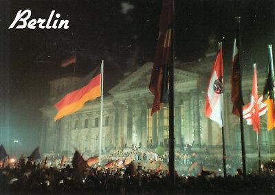 Berlin-Mitte  -  Blick auf das Reichstagsgebäude am 3. Oktober 1990 comprar usado  Enviando para Brazil