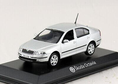 Skoda Octavia silber 1:43 Norev Modellauto 840645