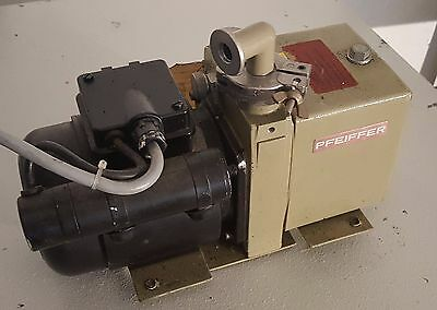 Pfeiffer Pk D40 Duo 1.5a Dual Stage Vacuum Pump