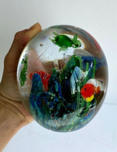 LARGE VINTAGE ART GLASS PAPERWEIGHT AQUARIUM SIGNED h - 5 in