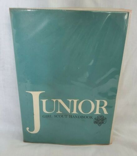 Vintage Junior Girl Scout Handbook Manual GSA ©1963 15th Printing April 1972