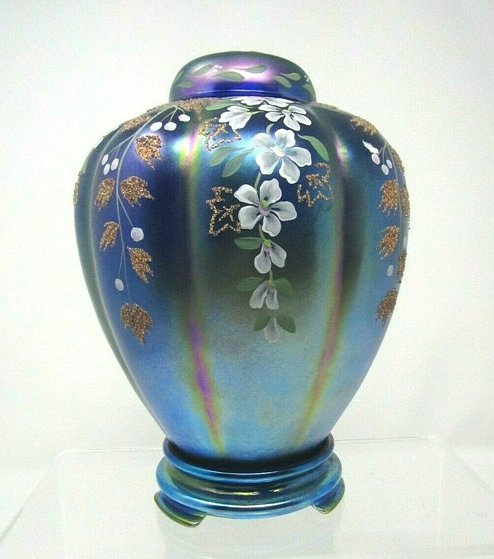 Fenton Favrene Ginger Jar With Top And Glass Base Limited Edition 2950VN - $250.00