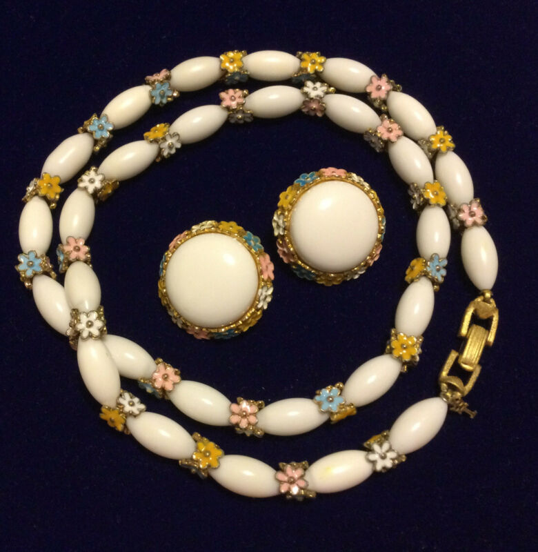 "Rare vintage Crown Trifari Necklace 24"" and Earrings White Beads Metal Enamel"