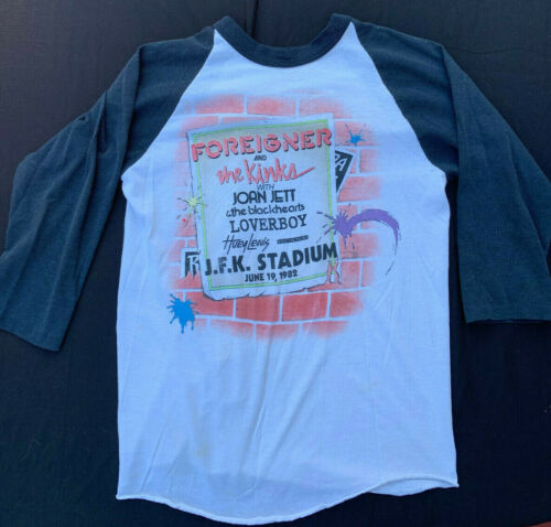 Foreigner, Kinks, Joan Jett, 1982 Tour concert t-shirt Size:M - Great condition!