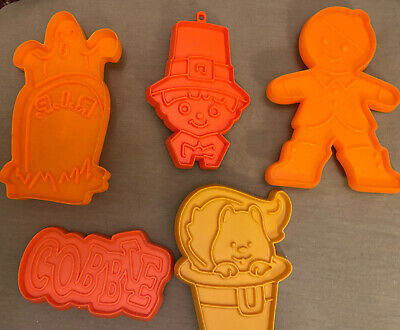 Vtg 5 Plastic Hallmark Cookie Cutters Halloween, Thanksgiving, Gingerbread Man