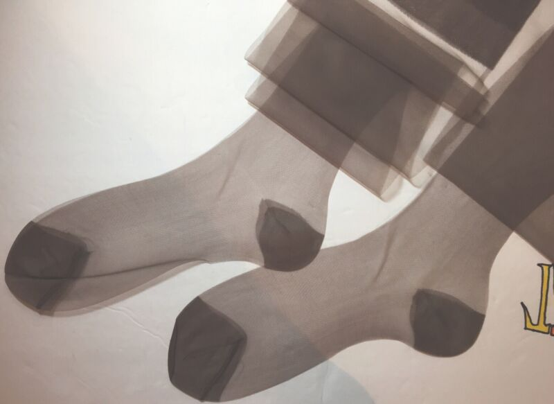 6 Pairs Vintage Nylon Stockings 10 X 35 XL Grey Reinforced Heel Toe Sexy & Sheer