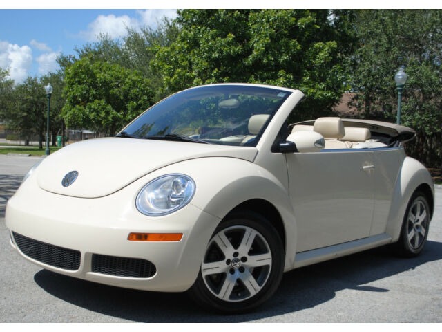 2006 volkswagen new beetle convertible 5i aut trans no reserve used volkswagen beetle. Black Bedroom Furniture Sets. Home Design Ideas