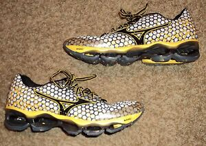 MIZUNO-WAVE-PROPHECY-3-Mens-Running-Shoes-US-size-11-1-2-white-black-yellow-11-5