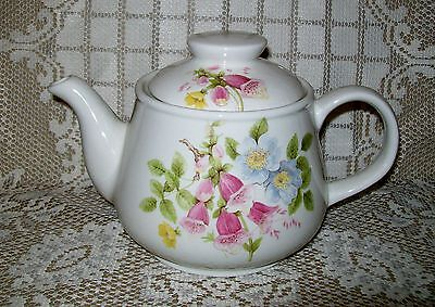 RARE LARGE VINTAGE SADLER TEAPOT foxglove / apple blossom? flowers design 32oz