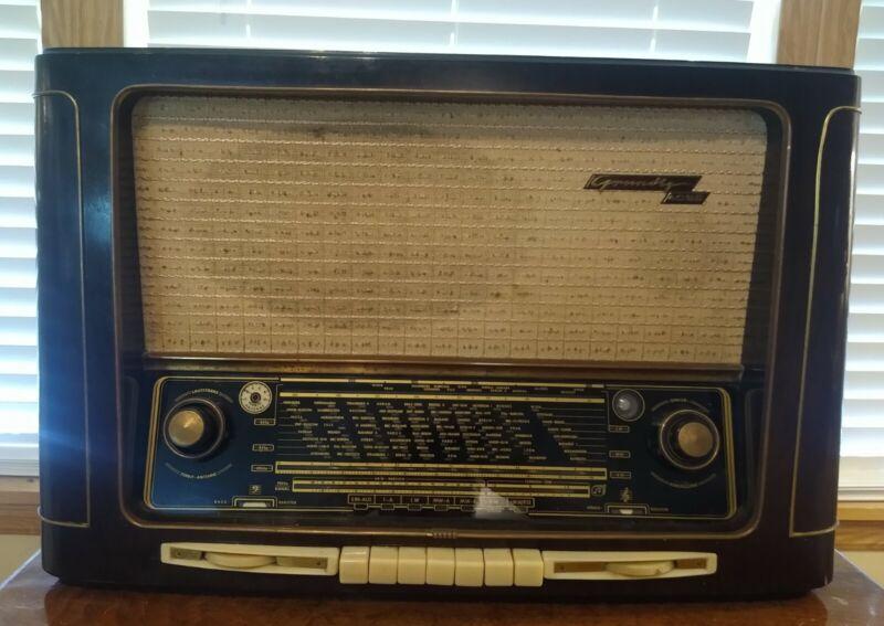 Vintage 1954 Rare Grundig Model 4035/W AM/FM/SW Tube Tabletop Radio Working