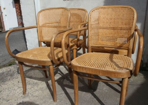 Set 4 Original Thonet Prague 811 Chair 1920s