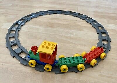 Lego Duplo Train Set With Round Circle Track Gray Curve Tracks Engine