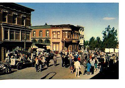 People-Street Scene-Film Set-Universal City Studios-California-Vintage Postcard ()