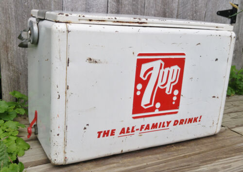 Vintage Retro Cronstroms 7UP Soda Beer Picnic Cooler w/Lid, Handle, Plug