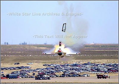 Photo: F16 Pilot Ejects Before Crash: Mountain Home AFB