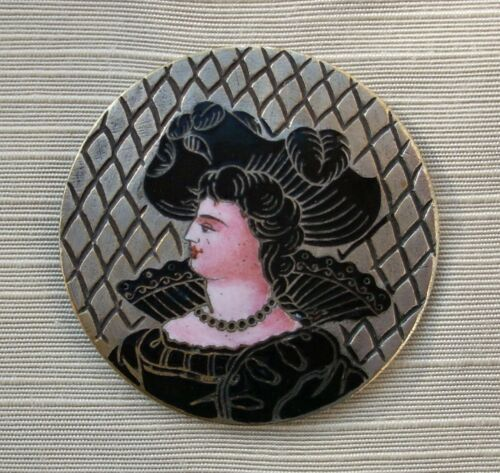 FABULOUS 19TH C. ENGRAVED ENAMEL BUTTON OF VICTORIAN LADY WITH IMPRESSIVE HAT