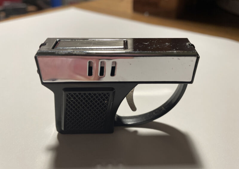 Vintage Gun Cigarette Lighter Mini Pistol Japan KEY CHAIN BLACK AND CHROME