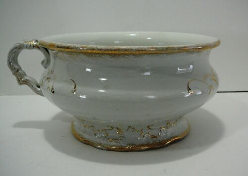 VTG ANTIQUE W.M. MANUFACTURING COMPANY SEMI PORCELAIN GOLD GILDING CHAMBER POT