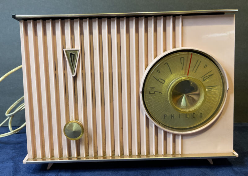 Vintage PHILCO Pink Plastic Tube Radio, Retro Works! See Description For Deta