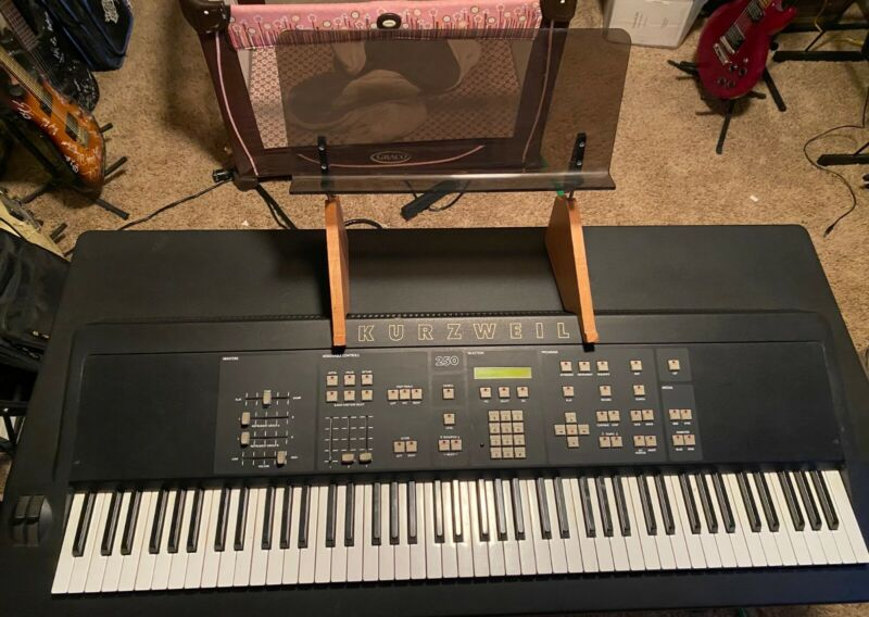 Kurzweil K250 Digital Sampler/Synthesizer - almost mint condition -Lowered Price