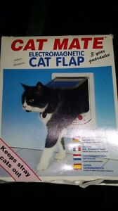 Cat Mate Electromagnetic Cat Flap Deakin South Canberra Preview