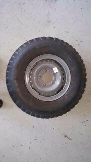 secondhand landcruiser 16 inch split rim with 7.50r16 Dunlop