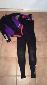 2 piece womans scuba diving wetsuit perfect condition Withers Bunbury Area Preview